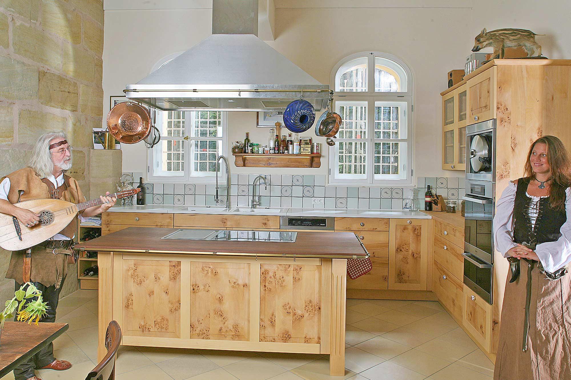Massivholzküche in Buch in Schloss Weiherhaus